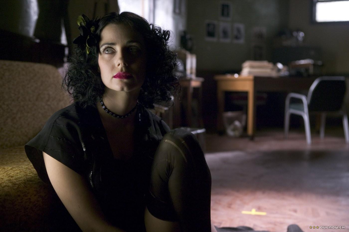 Mia Kirshner interpretou Elizabeth Short no longa Dália Negra (2006) (Foto: Divulgação)