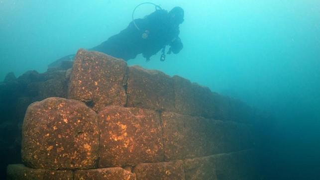 Registro da descoberta submersa (Foto: Reprodução)