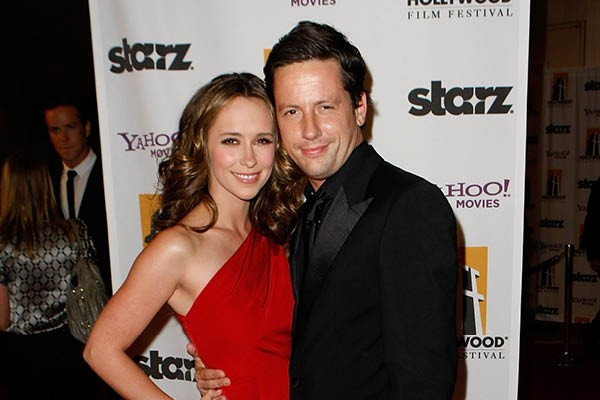 Jennifer Love Hewitt e Ross McCall (Foto: Getty Images)
