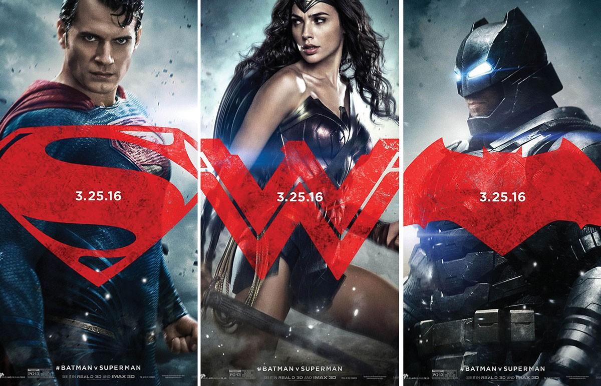 http://s2.glbimg.com/u5woepbKA5E7rvT-G2Cyg-6LhUs=/smart/e.glbimg.com/og/ed/f/original/2015/12/17/batman-vs-superman-cartazes.jpg