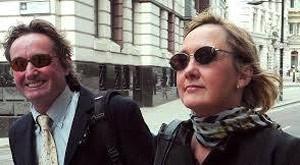 Lisanne Beck e Simon Murphy foram multados (Foto: Reprodução/Facebook/Lisanne Beck )