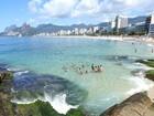 Arpoador tem mar cristalino em dia de calor no Rio; sábado será de sol