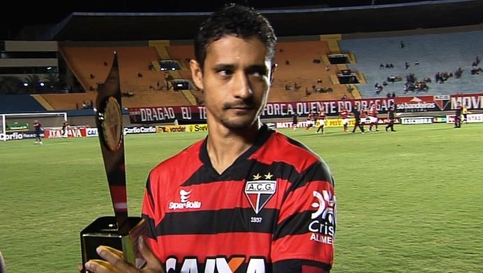 Juninho, atacante do Atlético-GO (Foto: Reprodução/TV Anhanguera)