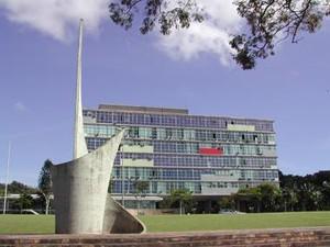 Vista frontal do prédio da Reitoria da Universidade Federal de Minas Gerais (UFMG) (Foto: Divulgação/Foca Lisboa)