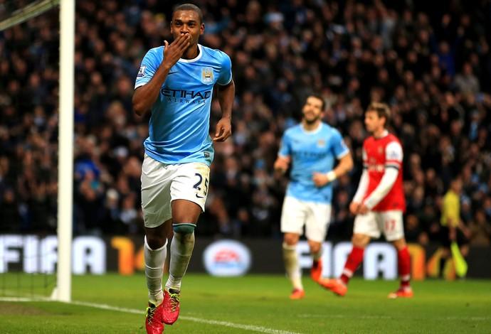 Manchester City Fernandinho comemoração (Foto: Getty Images)
