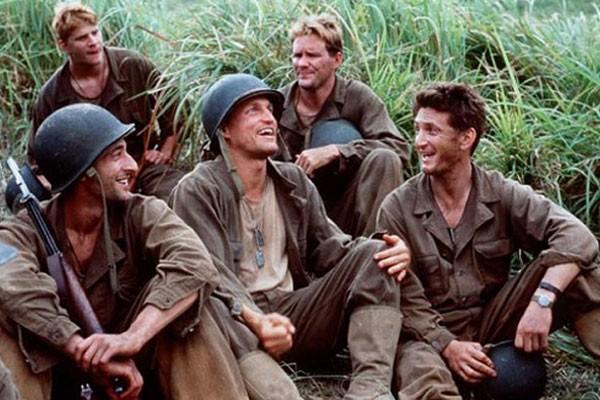 Parte do elenco de Além da Linha Vermelha (1998) (Foto: Reprodução)
