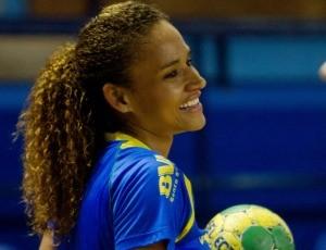 Alexandra Nascimento, ponta-direita da seleção brasileira feminina de handebol (Foto: Cinara Piccolo/Photo&grafia)