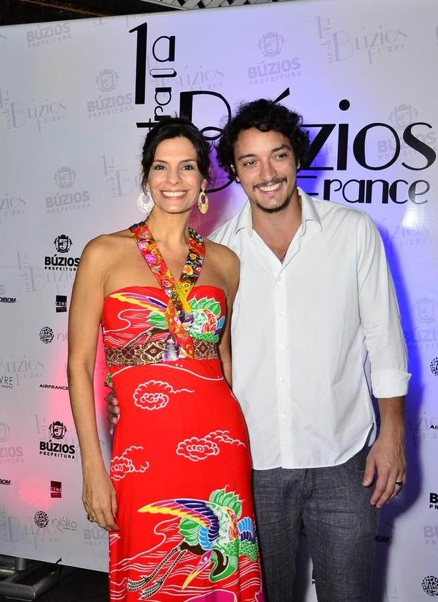 Helena Ranaldi com o namorado, Allan Souza Lima (Foto: Divulgação/Henrique Oliveira)
