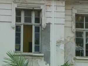 Alunos denunciam abandono do prédio tombado Carlos Gomes no Centro de Campinas (Foto: Reprodução EPTV)