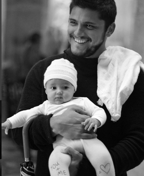 Bruno com Madalena no colo (Foto: Reprodução - Instagram)