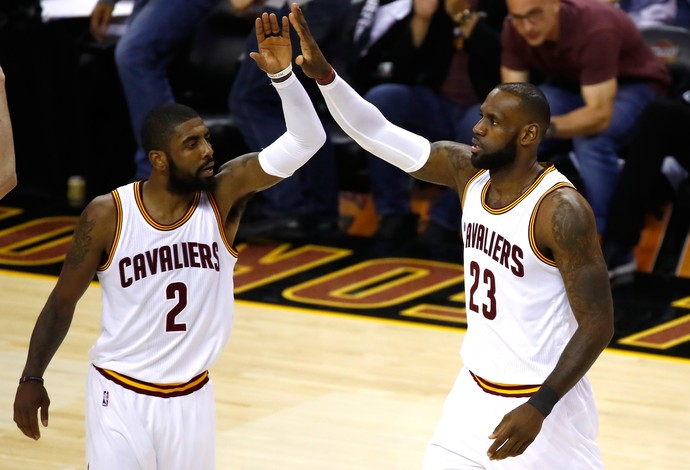Cleveland x Golden State - jogo 4 finais nba basquete - Lebron Irving (Foto: Getty Images)