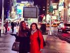 Nicole Bahls tira férias com mãe e viaja para Nova York