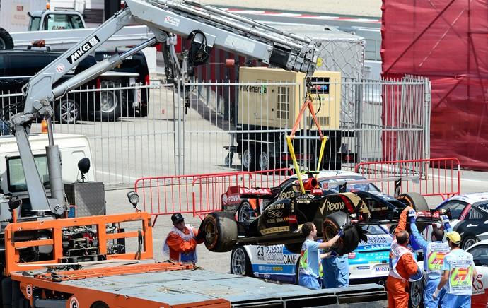 F-1 - Treino GP Espanha - Maldonado rebocado (Foto: AFP)