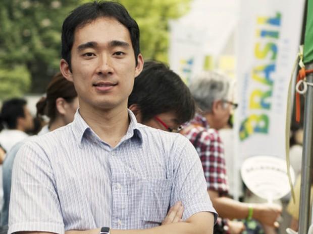 Alex Kaneko trabalha como pesquisador em robótica no centro de pesquisas da Hitachi (Foto: Ewerthon Tobace)