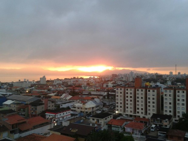 Na Grande Florianópolis, a temperatura chega aos 30ºC  (Foto: Graziane Ubiali/RBS TV)