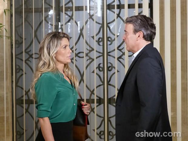 Heloísa conta a Thomaz que terminou com Flávio e deixa o advogado mexido (Foto: Além do Horizonte/TV Globo)