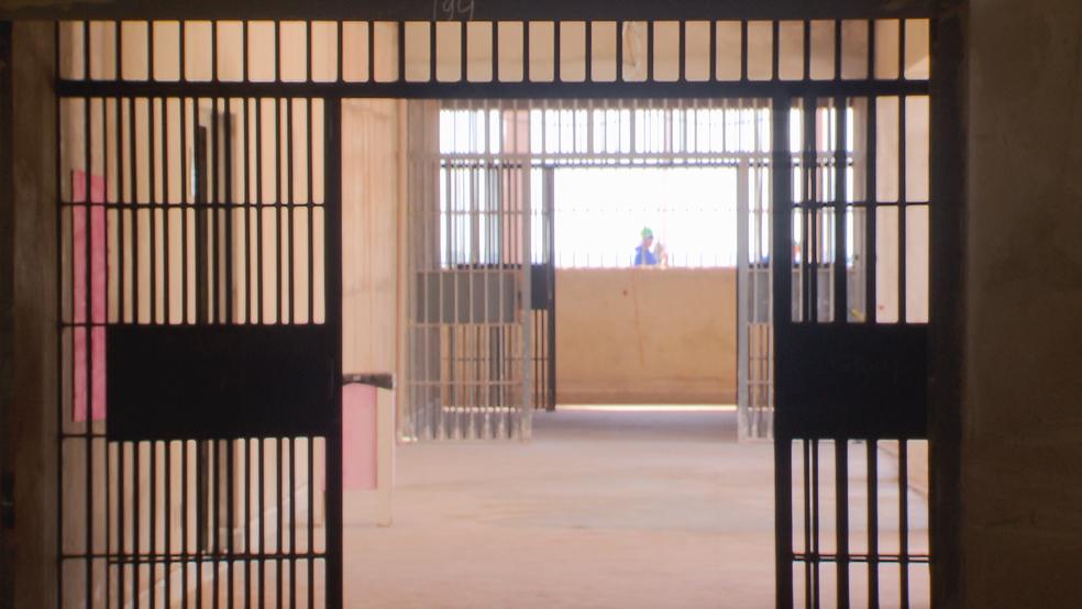 Interior de presídio federal em construção no Complexo da Papuda (Foto: TV Globo/Reprodução)