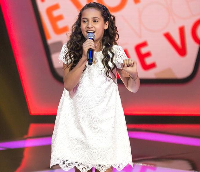 Ana Beatriz Torres canta 'A Vizinha do Lado' no The Voice Kids (Foto: Isabella Pinheiro/Gshow)