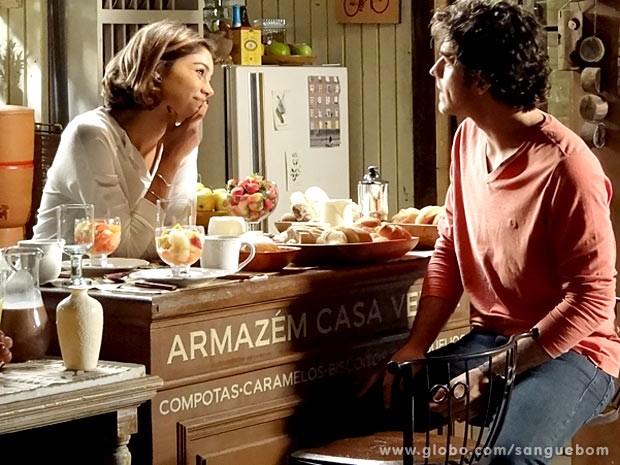 It-girl fica toda animadinha com a possibilidade de mudar de casa (Foto: Sangue Bom / TV Globo)