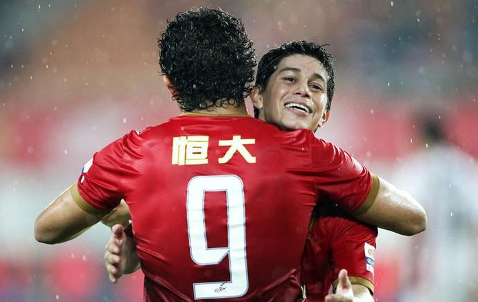 Conca e elkeson Guangzhou Evergrande gol (Foto: Reprodução / Sina.com)