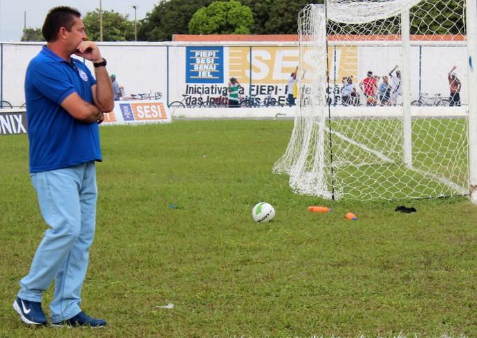 Jorge Pinheiro - Técnico do Parnahyba (Foto: Josiel Martins )