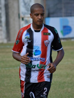 Helinho, lateral do Serra (Foto: Adriano Barbosa/ Serra FC)