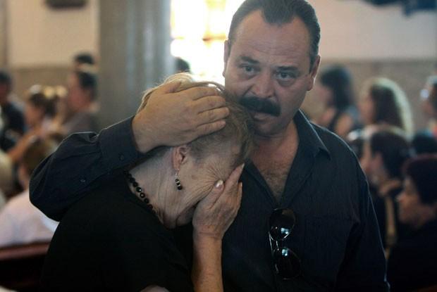 Mexicanos parentes das vítimas do massacre de 2011 realizaram neste sábado (25) atos em homenagem a seus familiares mortos (Foto: AFP)