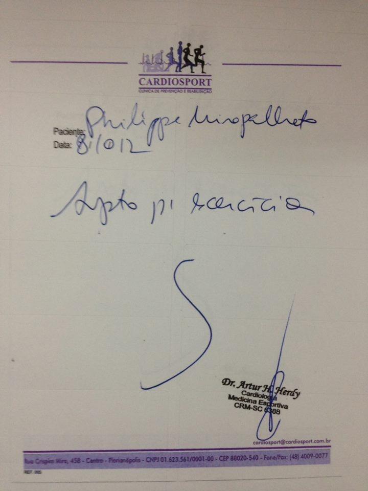 Academia divulgou atestado médico do atleta (Foto: Academia Top One/Divulgação)