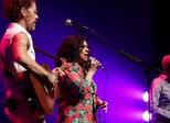 Gal, Gil e Nando Reis homenageiam Luiz Melodia em show em SP