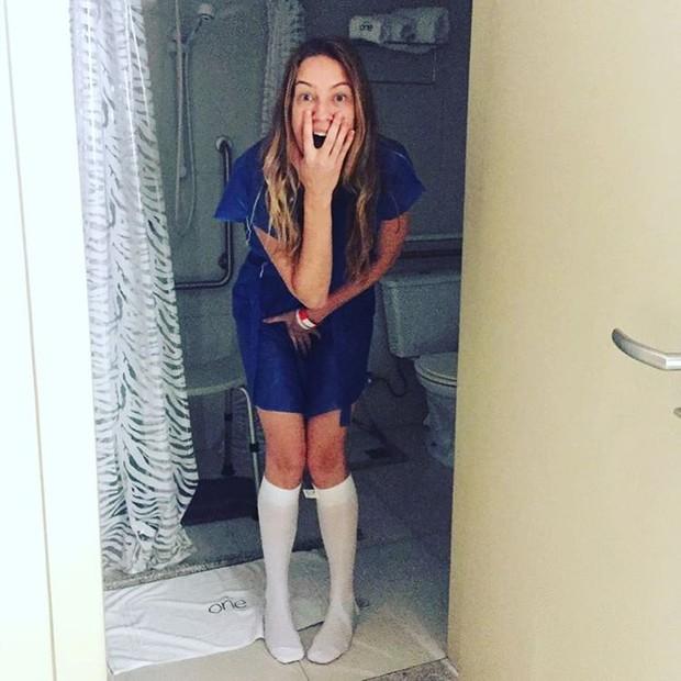 Luana Piovani posta foto mostrando momento antes da cirurgia para colocar silicone nos seios (Foto: Reprodução/Instagram)