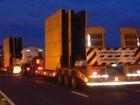 Caminhões com excesso de carga causam lentidão em rodovia de Itu