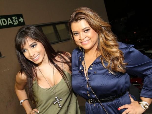Anitta e Preta Gil em show no Rio (Foto: Anderson Borde/ Ag. News)