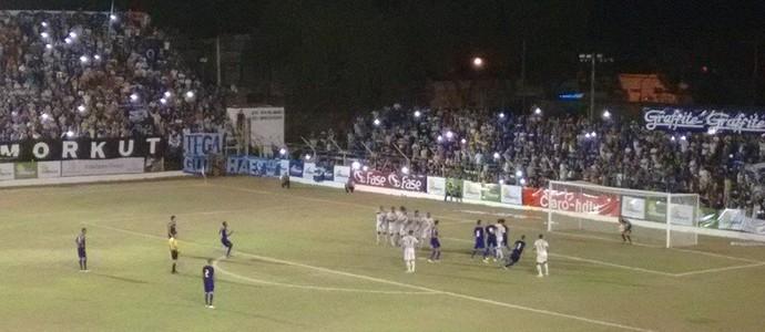 Democrata GV estreou com derrota para o Cruzeiro no Campeonato Mineiro. (Foto: Diego Souza/Globoesporte.com)