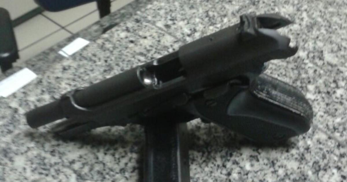 PM prende homem com arma de uso restrito em Conceição de ... - Globo.com