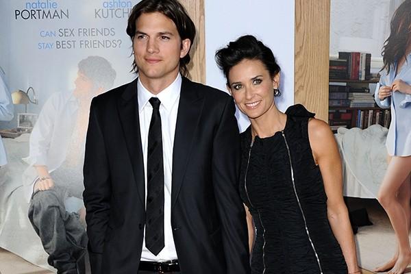 Como não lembrar de Demi Moore e Ashton Kutcher? O casal de atores ficou casado por oito anos apesar dos quinze de diferença entre eles. Atualmente, Demi, que tem 51 anos, está de namoro com Sean Friday, de 27. (Foto: Getty Images)