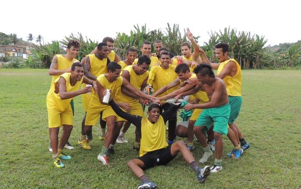 Festa dos jogadores do Jaguar (Foto: Elton de Castro)