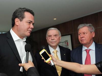 vice-governador do amazonas e josé maria marin (Foto: Roberto Carlos/Agecom)