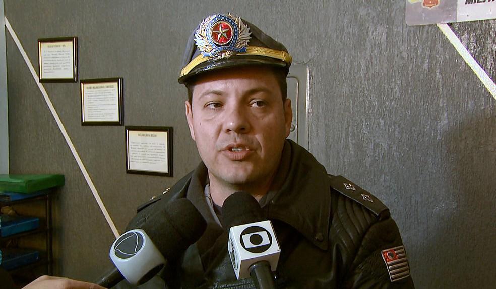 Tenente contou que comboio chamou a atenção da polícia (Foto: Marlon Tavoni/EPTV)