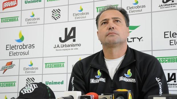Márcio Goiano, técnico do Figueirense (Foto: Savio Hermano / GLOBOESPORTE.COM)