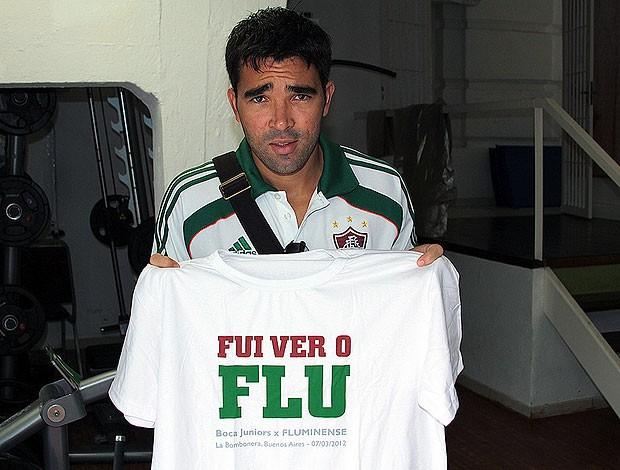 Deco camisa Flu (Foto: Ralff Santos/Fluminense F.C.)