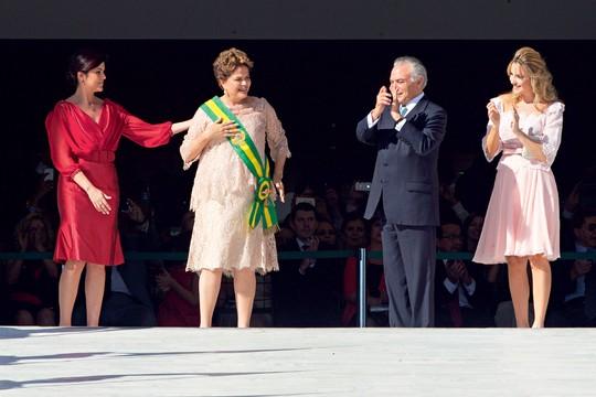 Paula,Dilma,Temer e sua mulher Marcela (Foto: Ed Ferreira/Estadão Conteúdo)