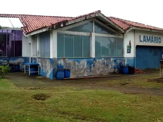 Lamário está com pintura externa desgastada (Foto: Orion Pires / G1)