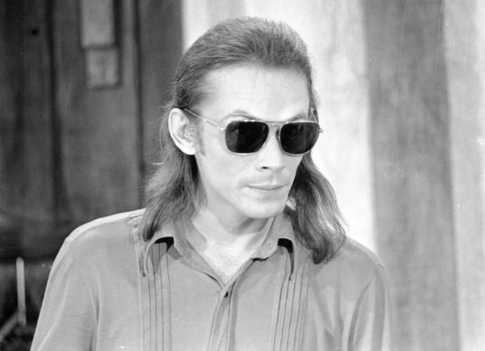 Em 'Cavalo de Aço', José Wilker também adotou os cabelos longos (Foto: Cedoc / TV Globo)