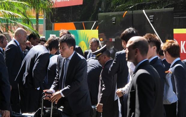 Japão chega a hotel em Brasília (Foto: Janir Júnior)