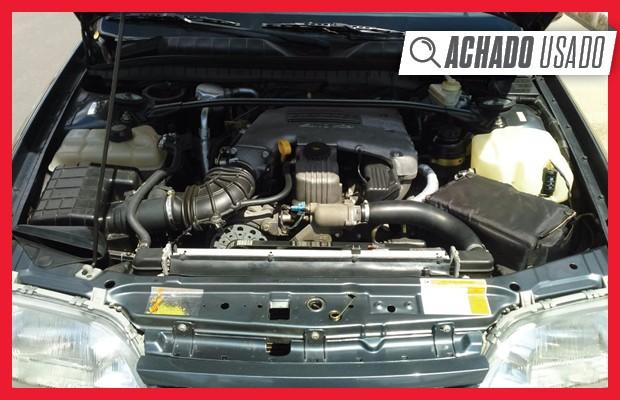 Motor 4.1 usado no Chevrolet Omega foi bem modernizado e passou a gerar 168 cv de potência (Foto: Reprodução)