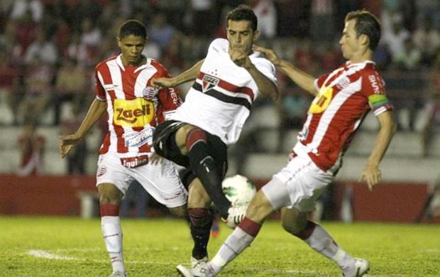 Rhodolfo, Náutico e São Paulo (Foto: Rubens Chiri / saopaulofc.net)