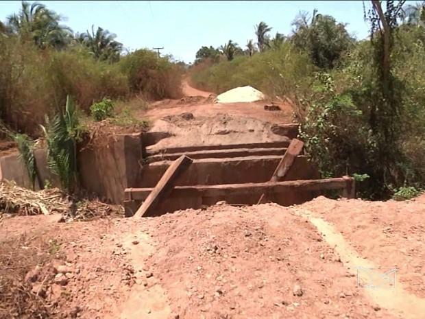 Prefeito Zito Rolim (PV) caiu de ponte que deixou de consertar em Codó (MA) (Foto: Reprodução/TV Mirante)
