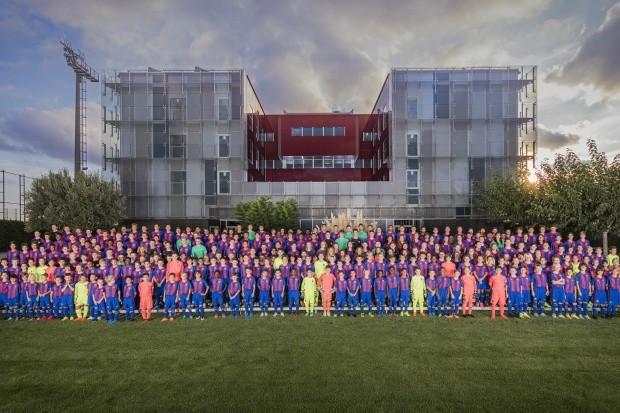 Escola de futebol na China (Foto: Reprodução)