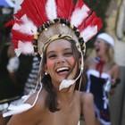 Confira belas curtindo a folia pelo país (Pilar Olivares/Reuters)