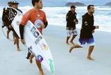 Mineirinho e Medina superam gringos e avan�am � semifinal do Rio Pro